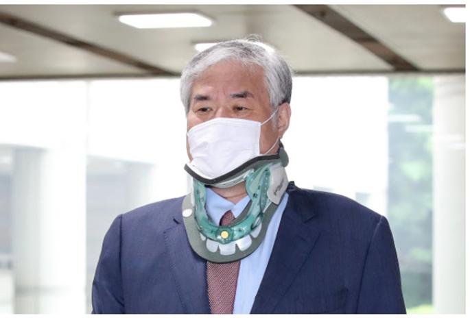 경찰, 전광훈 배임수재 혐의로 기소 의견 송치